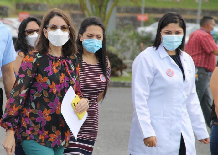 Ministra de Salud anuncia inicio vacunación niños de 5 años en adelante