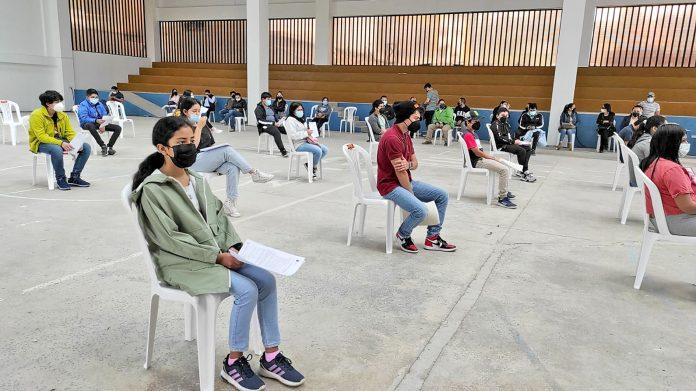 41 estudiantes del Vicente Agustín Aguirre se vacunaron