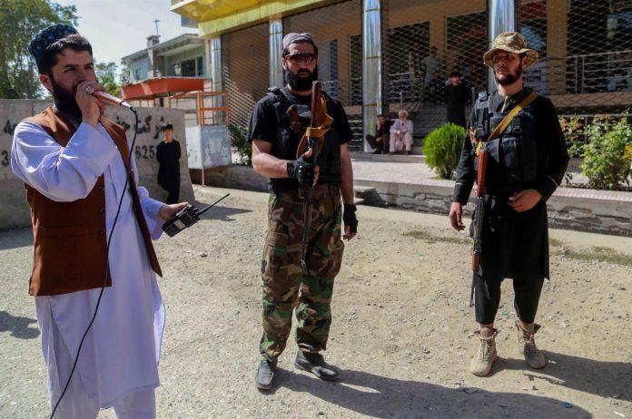Talibanes controlan la seguridad luego del atentado