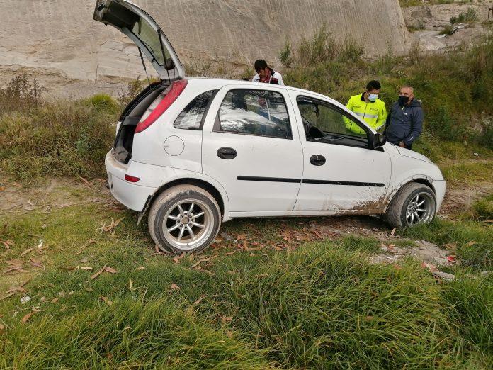 A un hombre le robaron el carro cuando salía del night club.