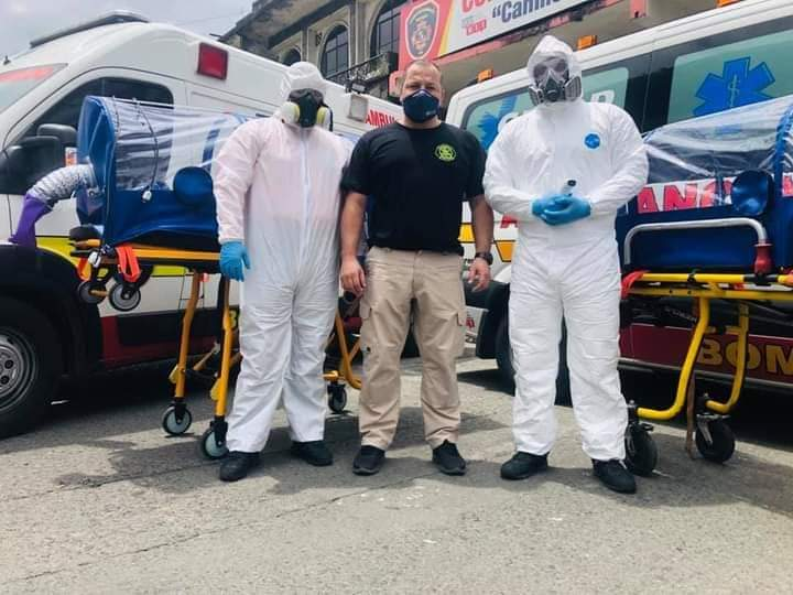 Ambulancia de Cuerpo de Bomberos donada a Quevedo