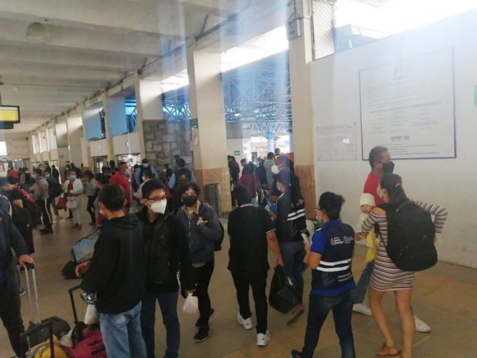 PANORAMA. En la terminal terrestre no se presentó mayor movimiento, solo el normal como cualquier fin de semana.
