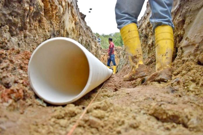 Inician obras en el Valle del Quimi, El Pangui