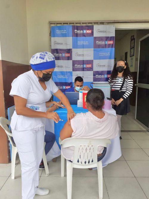 Inmunización contra la Covid avanza a pasos agigantados en Quevedo