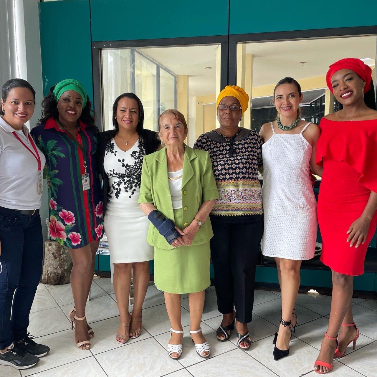 Cumbre mujeres sin limites