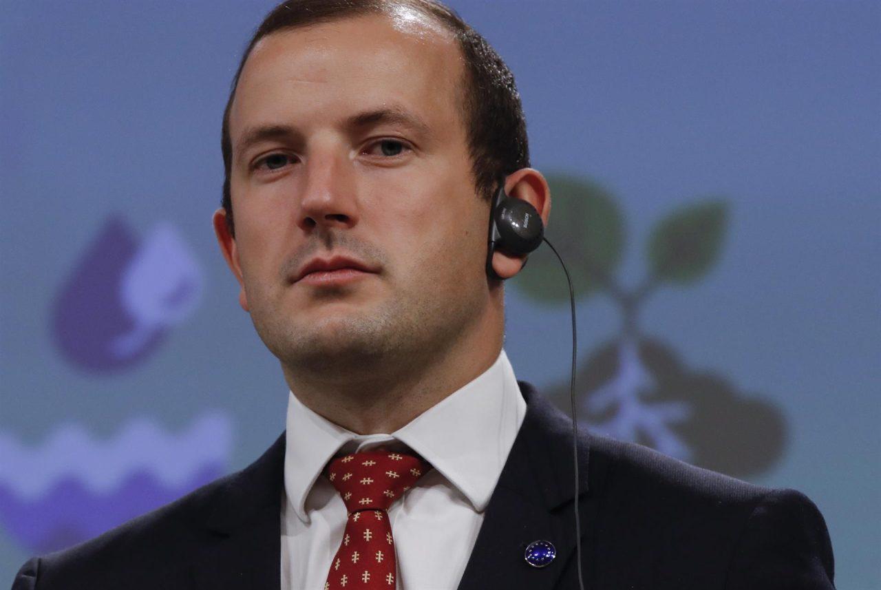 El comisario europeo de Medioambiente, Virginijus Sinkevicius, plantea intensificar los controles para reducir los niveles de contaminación.