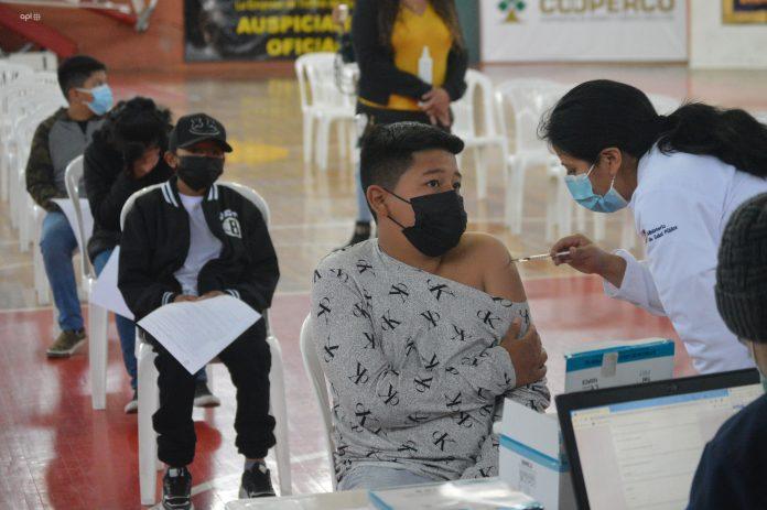 vacuna a menores en Ecuador