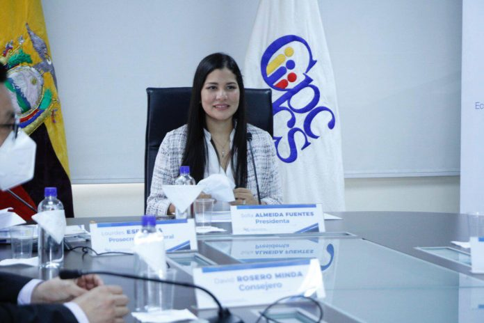 PROCESO. La presidenta del Cpccs, Sofía Almeida, es la facultada de convocar a sesiones para conocer los temas.