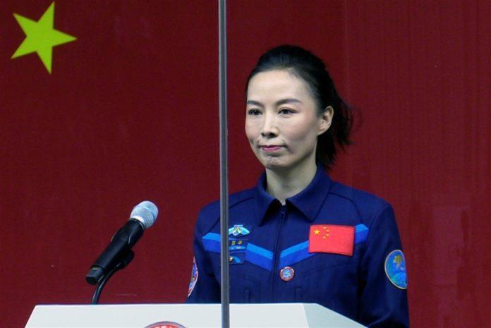Wang Yaping es popular por las charlas sobre Física que ha impartido desde el espacio